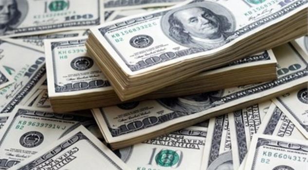 Dólar llega a los 22.21 pesos