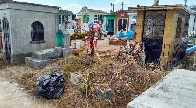 El panteón municipal en abandono y ruinas