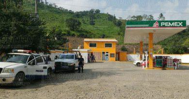 Empistolados asaltan gasolinera de Castillo de Teayo