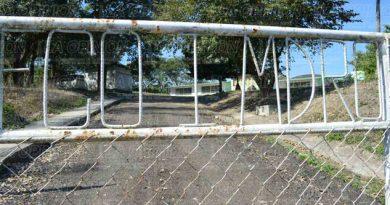Enésimo robo y daños en plantel escolar