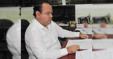 Cesan a Edgar Fabián Espinoza del Registro Público de la Propiedad
