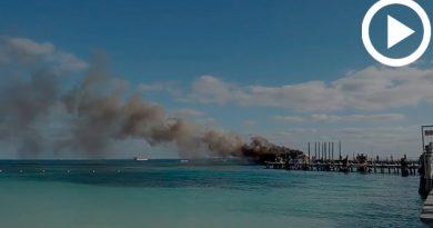 Embarcación Ferry Incendio Playa Tortugas