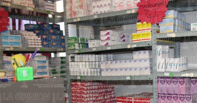 Garantizan abasto de medicinas