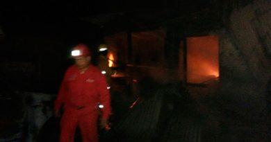 Incendio Arrasa Locales