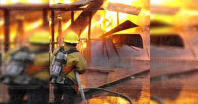 Incendio reduce a cenizas una cabaña