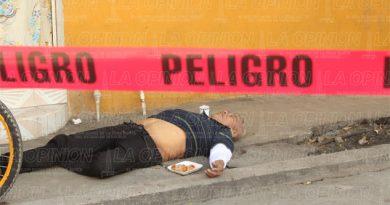 Parroquiano muere sin pagar la cuenta
