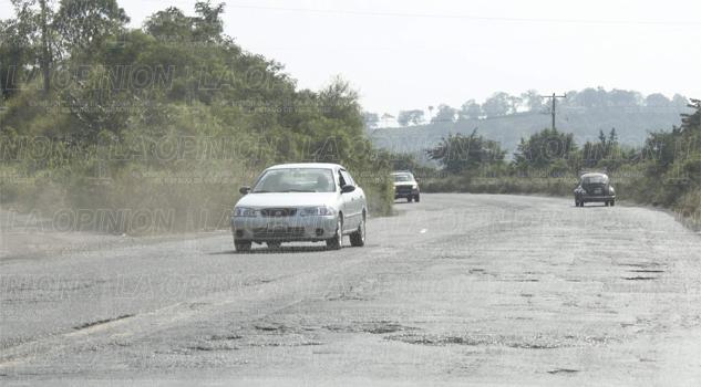 Promete SCT rehabilitar el camino a Poza Rica