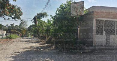Solicitan luminarias en la colonia La Ceiba