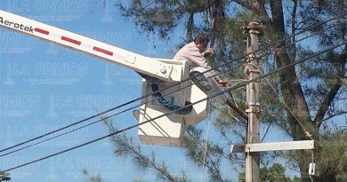 Sustituyen lámparas en la colonia Morelos