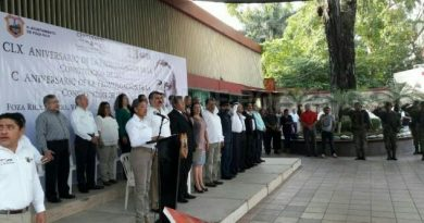 Conmemoran centenario de la Constitución Mexicana