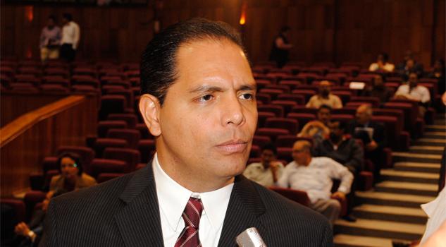 Apuntan denuncias a Jorge Carvallo Delfín