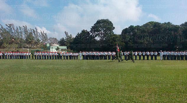 Bienvenida Ejército Marina Realizan
