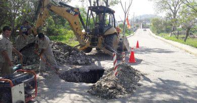 Buscan fuga de agua en la colonia Sector Popular