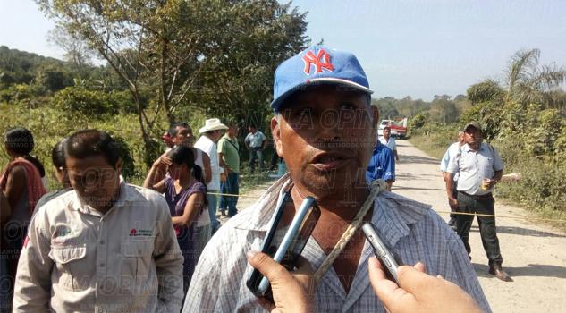 Campesinos bloquean carretera a la localidad El Palmar