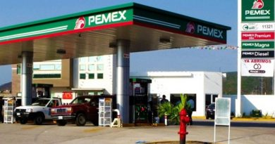 Clausuran 7 gasolineras por irregularidades en 5 entidades
