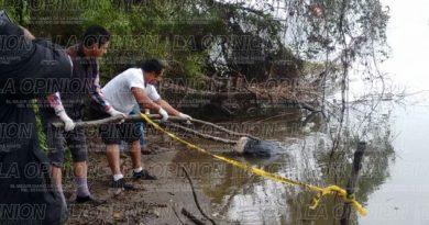 Cuerpo flotaba en el río Tecolutla
