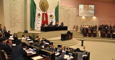 Diputados locales derrochan recursos