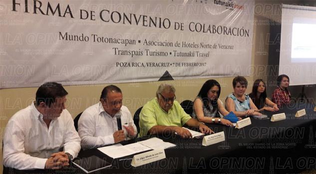 Empresarios firman convenio de colaboraci n la opini n for Fuera de convenio 2017