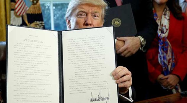 Firma Donald Trump orden ejecutiva