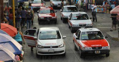 Laboran taxistas con permisos vencidos