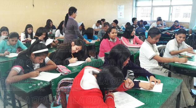Matemáticas, Español y Lectura de Comprensión, el coco de alumnos de secundaria