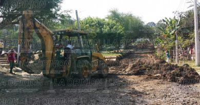 Realizan trabajos de limpieza en la colonia Emiliano Zapata