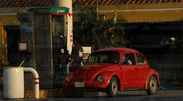 Rechazan obreros alza a las gasolinas