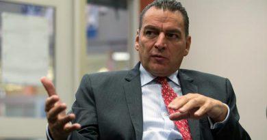 Si EU deja el TLCAN, Canadá se queda con México: embajador