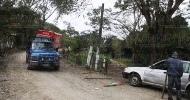 Sigue conflicto en Santa Águeda