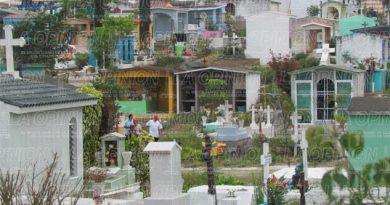 Urge nuevo cementerio