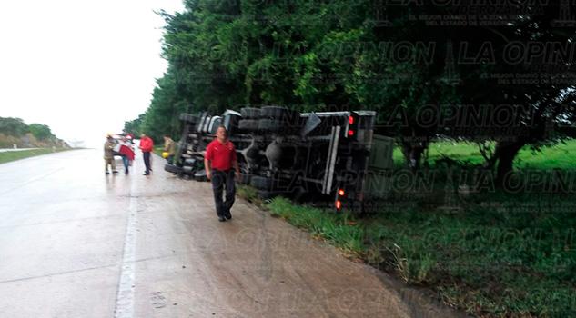 Volcadura Camión Aparatosa