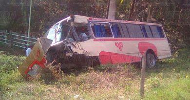 Accidente Tráiler Autobus México Tuxpan