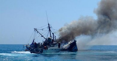 Alerta por dos barcos hundidos