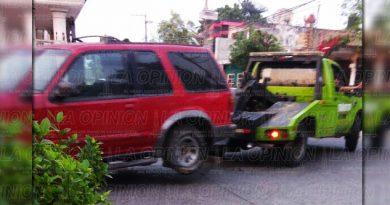 Aplican operativo grúa ilegalmente en Poza Rica