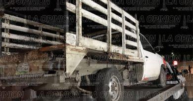Aseguran camioneta y taxi robados