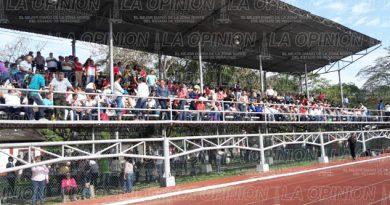 Aumento salaríal tendrá que esperar: Medina Barragan