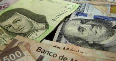 Avanza el peso y el dólar baja y baja