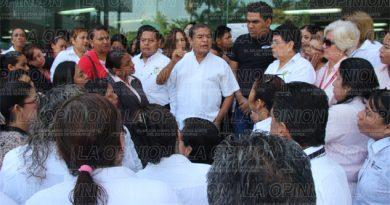 Burócratas piden aumento salarial