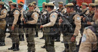 Buscan policías