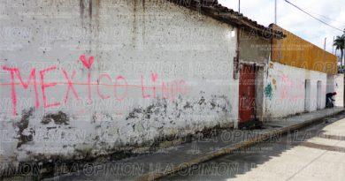 Casas son blanco de graffiteros