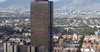 Denuncian a funcionarios de Pemex por otorgar un convenio inhabilitado