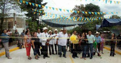 Inauguran obra en Antonio M Quirasco, Coatzintla