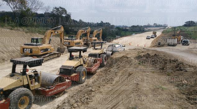 Más de 30 camioneros de Tamiahua trabajan en la Tuxpan-Tampico