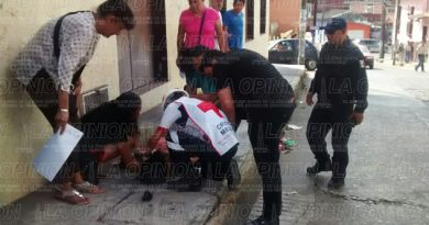 Mujer lesionada tras sufrir una caída