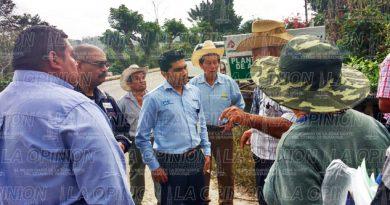 Ejidatarios bloquean acceso a compañía petrolera