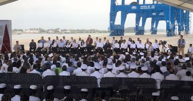 Peña Nieto Inaugura Terminal Portuaria