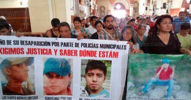 Protestan Padres Jóvenes Desaparecidos Papantla
