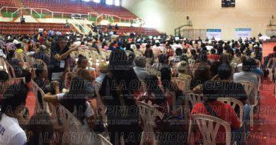 Sedesol estatal entrega apoyos a familias