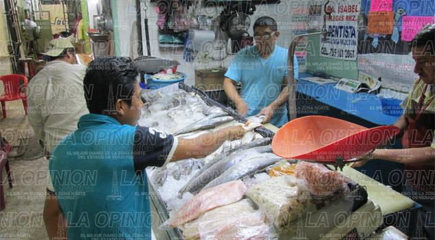 Vendedores de mariscos le temen a la competencia desleal