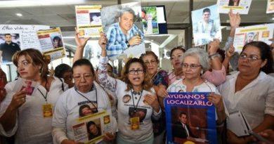 Familias de desaparecidos exigen al fiscal general eliminar actitud evasiva